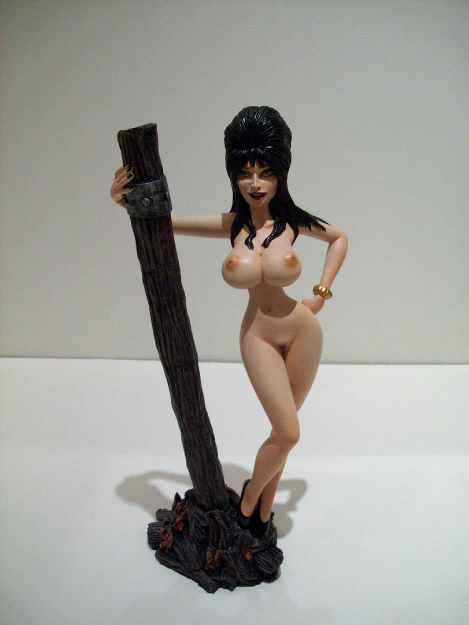 elvira the tits dark mistress of Strawinsky and the mysterious house.